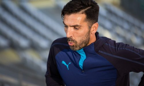 """Juventus, Buffon compie 42 anni: """"Brutta sconfitta con il Napoli, destino dipende da noi"""""""
