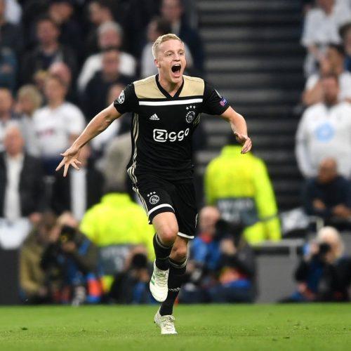 Dalla Spagna: Real Madrid, trovato l'accordo con van de Beek