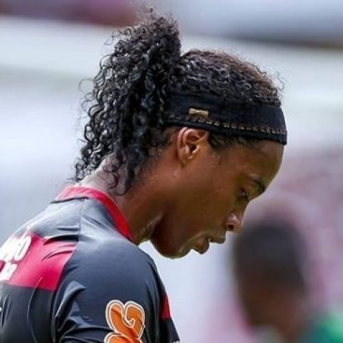 "Ronaldinho positivo al coronavirus: ""Non ho sintomi, sto bene """