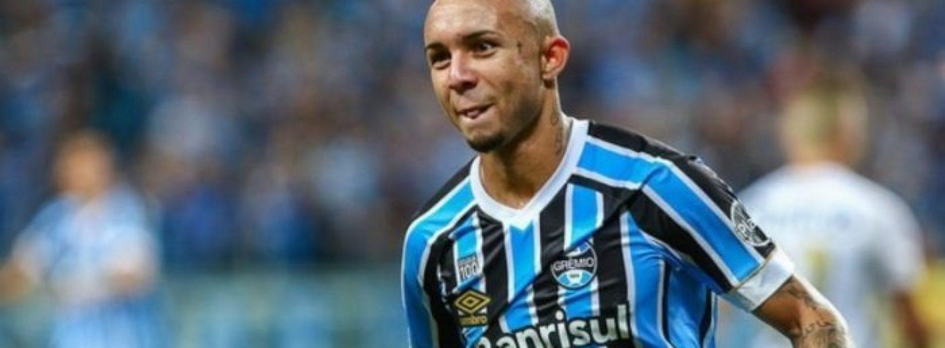 Mercato, il Napoli piomba su Everton Soares del Gremio