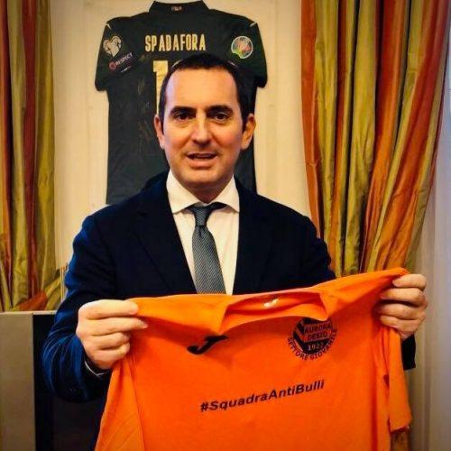 """Ministro Spadafora: """"Il calcio non ricomincerà il 3 maggio"""""""