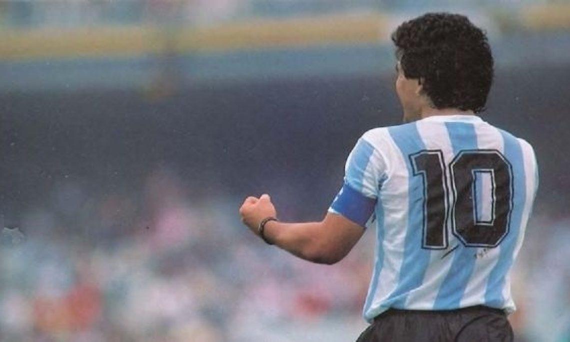 Diego Armando Maradona, l'aquilone cosmico che ha vissuto come voleva